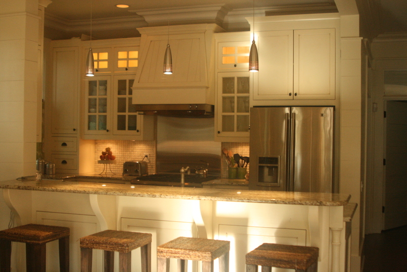 Since the kitchen is small, I chose seeded glass cabinet doors to